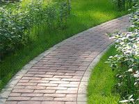 Дорожки: придаем саду индивидуальность